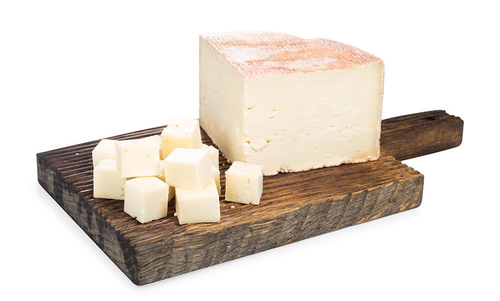 Закарпатская ферма планирует освоить производство выдержанных твердых сыров из буйволиного молока